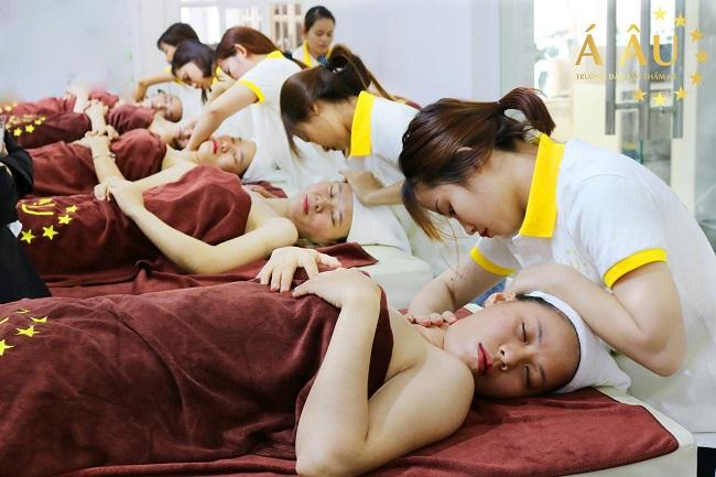 trung tâm dạy học massage Á Âu
