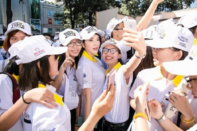 Dịch vụ may áo thun sự kiện HK