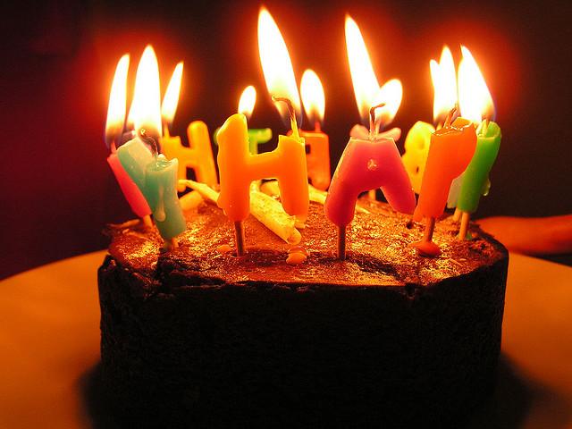 Nến sinh nhật Đại PhÁT