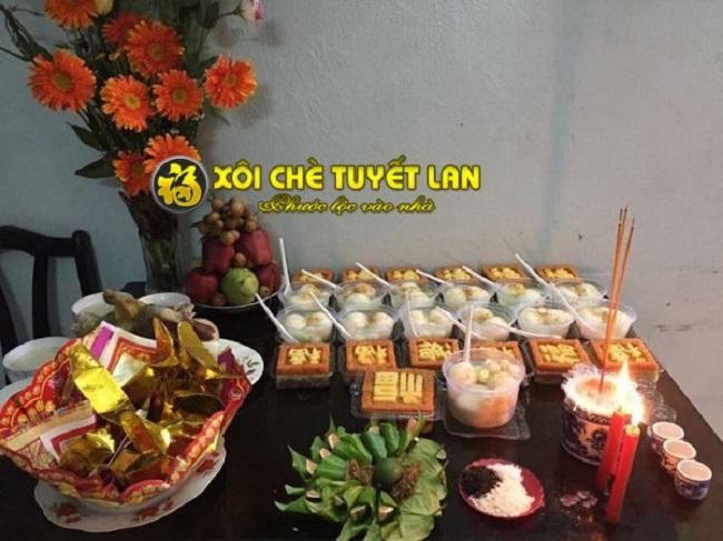 Xôi chè Tuyết Lan