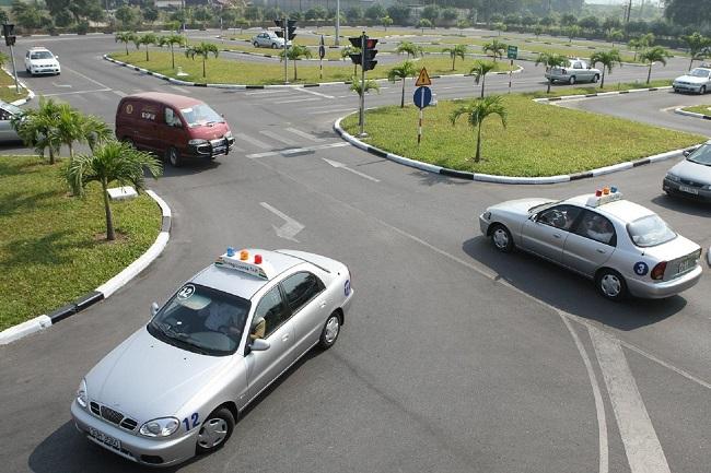 Trung tâm dạy học lái xe ô tô