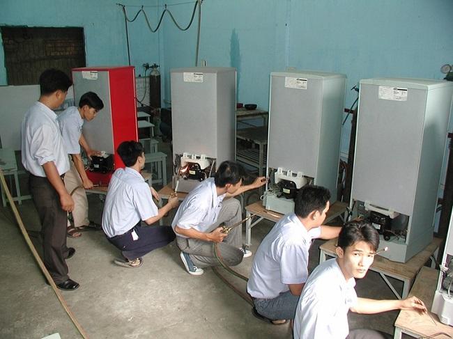 Trung tâm dạy nghề, giới thiệu việc làm VinHemPich