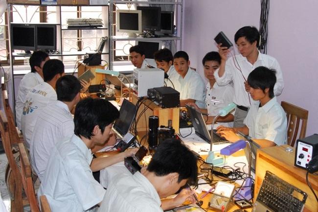 Trung tâm dạy nghề Tân Bình