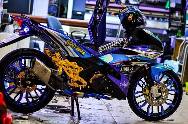 Cửa hàng dán decal/keo xe máy tại TPHCM