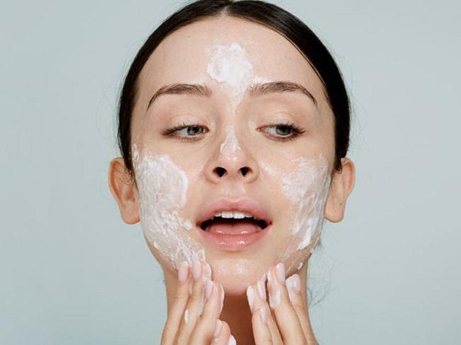 Sữa rửa mặt dành cho da dầu mụn