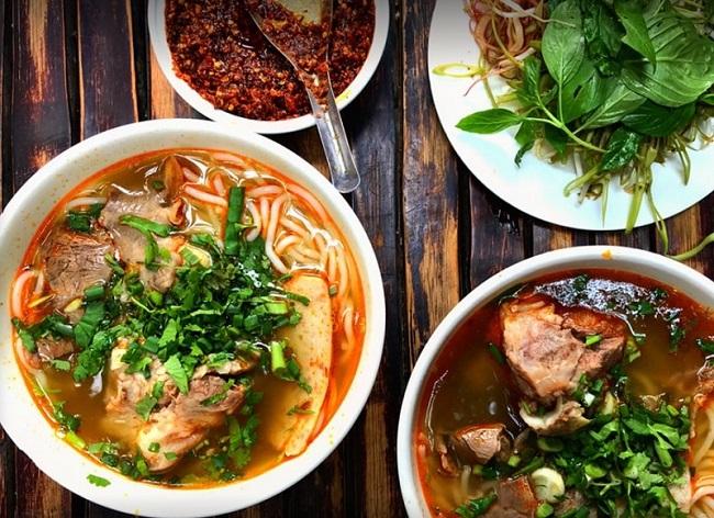 Ăn tối Sài Gòn