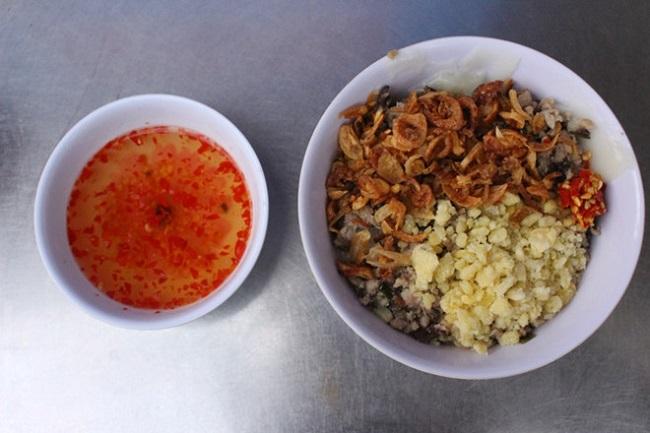 Quán Bánh Đúc Nóng 5 Chỗ Ngồi là quán ăn sáng Sài Gòn ngon