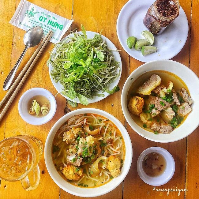 Bún Bò Út Hưng Sài Gòn