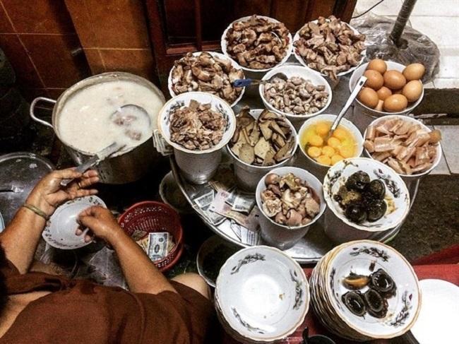Ăn tối Sài Gòn ở Cháo Sườn Bà Hào Sài Gòn
