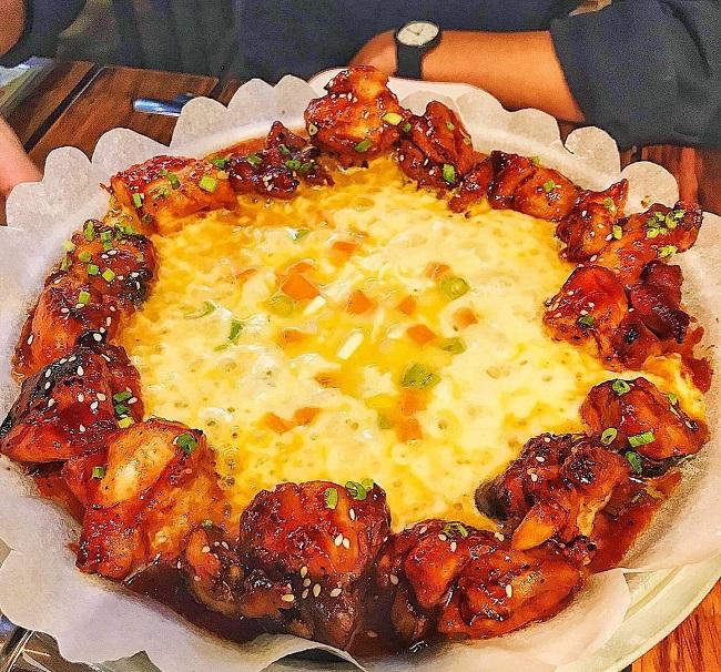 Mom's Chicken – Gà Phô Mai Ngon Nhất Tại Sài Gòn