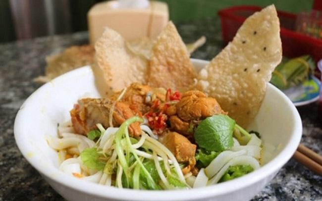 Mì quảng Ông Tiến là quán ăn sáng Sài Gòn ngon nên thử