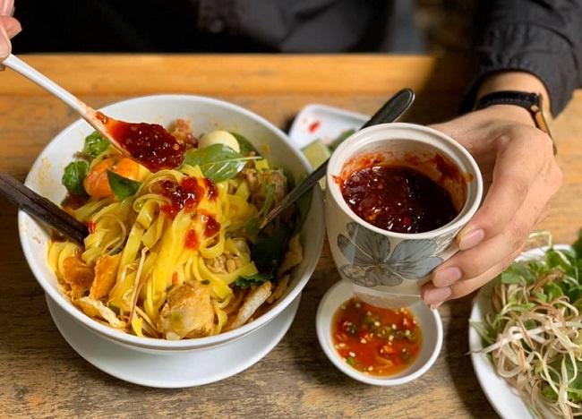 Mỳ Quảng Thuỷ Chung là quán mỳ quảng ngon ở Sài Gòn