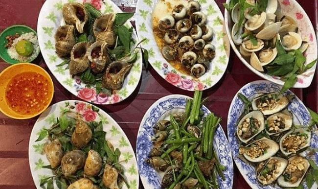 Ốc Ấy – Quán ăn đêm ở Sài Gòn