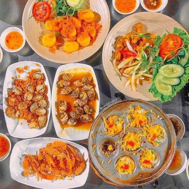 Quán ăn vặt Sài gòn về đêm Ốc Nhớ Sài Gòn