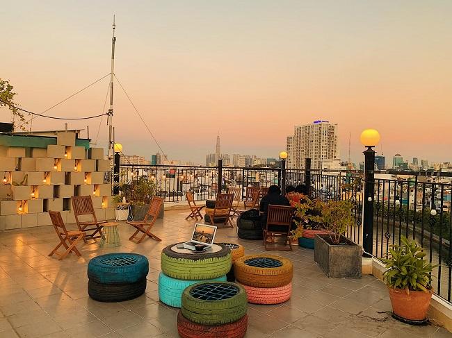 Place in Saigon Cafe là quán cafe sân thượng đẹp ở Sài Gòn