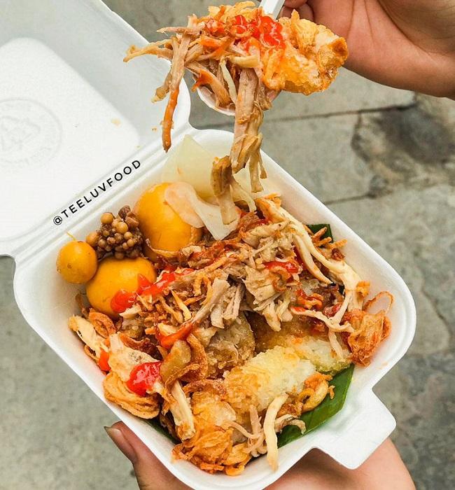 Xôi gà Number one là quán ăn sáng Sài Gòn ngon