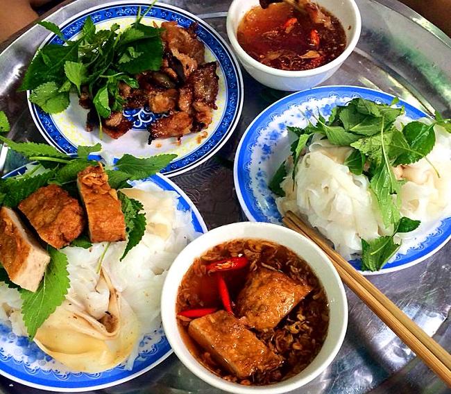 Bánh cuốn bà Hoành Hà Nội