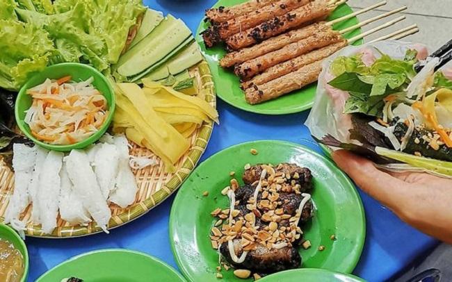 Bò nướng lá lốt là quán ăn ngon ở Hà Nội