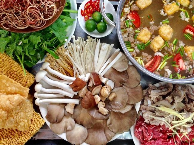 Nấm Việt Lò Đúc là quán ăn trưa Hà Nội ngon