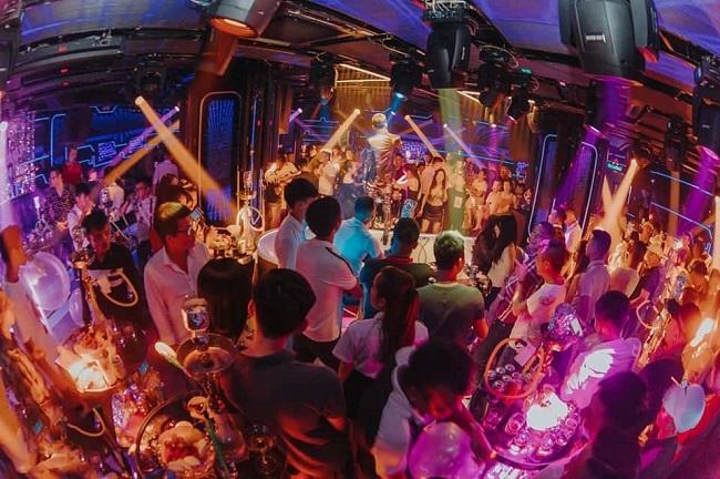 New Square Bar là quán Bar Hà Nội nổi tiếng