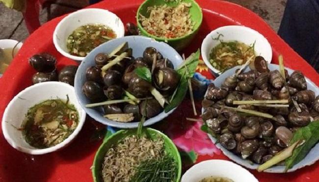 Ốc nóng Hà Trang là quán ăn đêm ngon ở Hà Nội