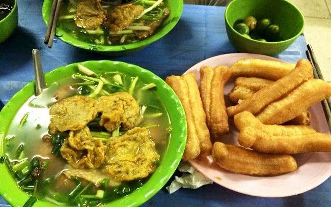 Món bún cá Hàng Đậu là món ăn đêm lý tưởng