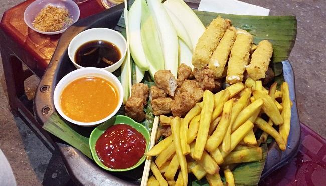 Nem rán ngõ Tạm Thương là món ăn vặt Hà Nội ngon