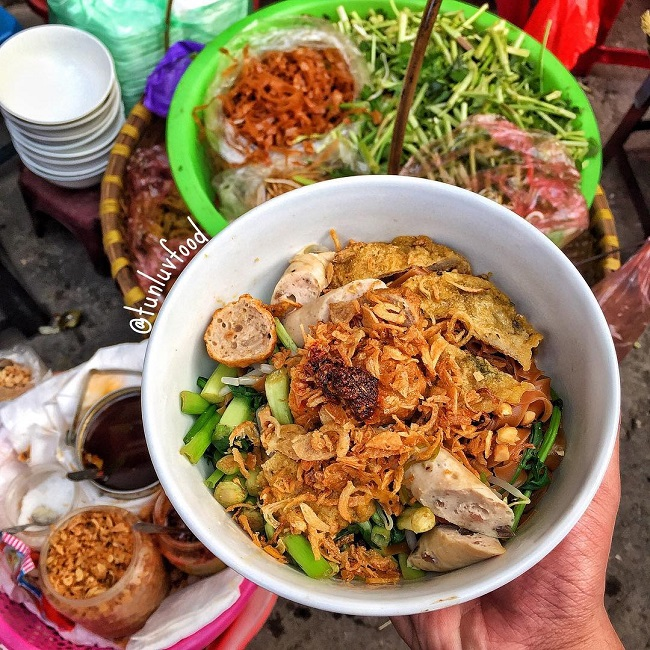 Bánh đa trộn - món ăn tối Hà Nội