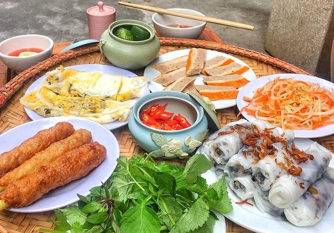 Bánh Cuốn Bà Hạnh - quán ăn tối Hà Nội