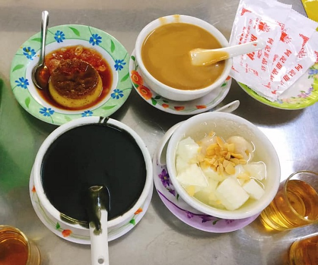 Chè Hà Ký là quán chè Hoa ngon ở Sài Gòn